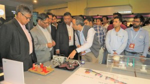 VS-Kolkata-Dr.Basu ( Former Chair - DAE ) and Dr.Ashutosh Sharma (Secretary,DST) visit to LIGO-India Booth.